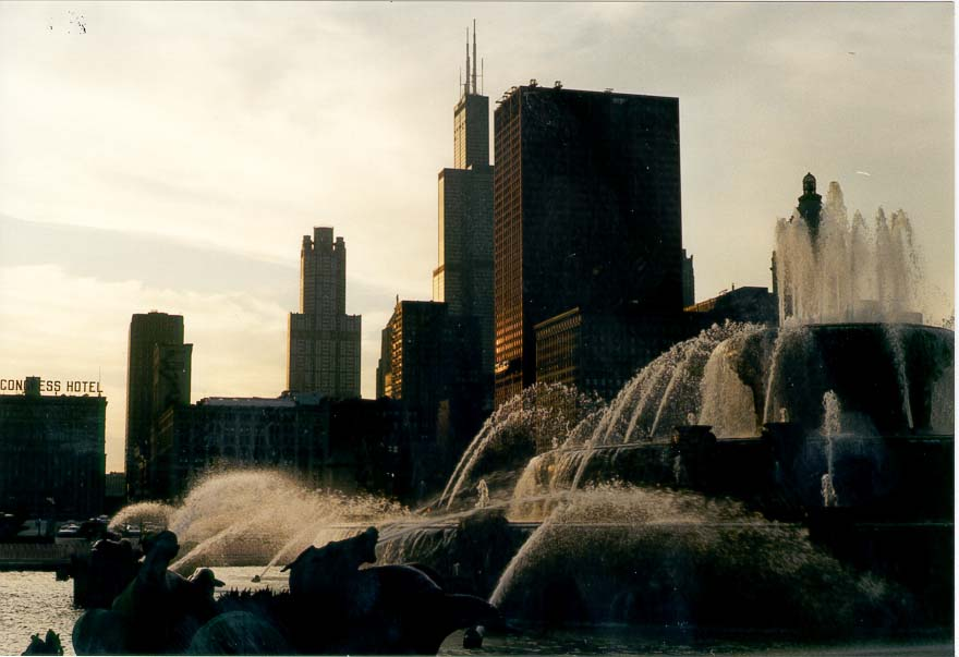 Buckingham Fountain at evening. Chicago