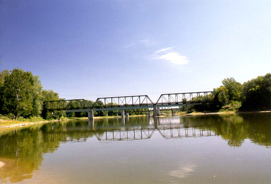 Davis Ferry Bridge across Wabash River north from Lafayette. Indiana