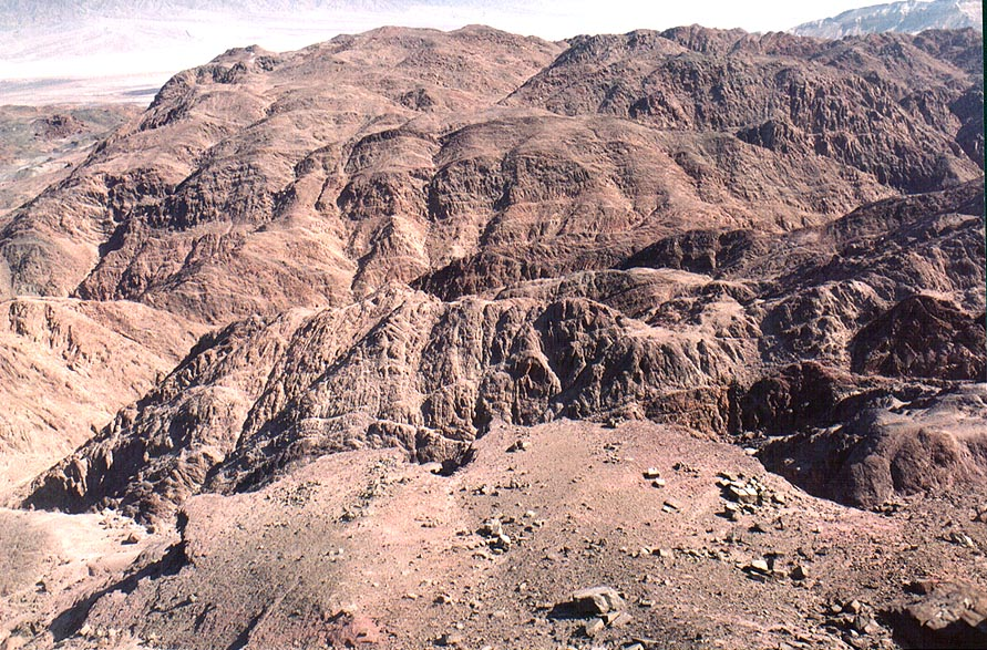 View of a similar, but lower plateau to the west from Timna Stage. The Middle East