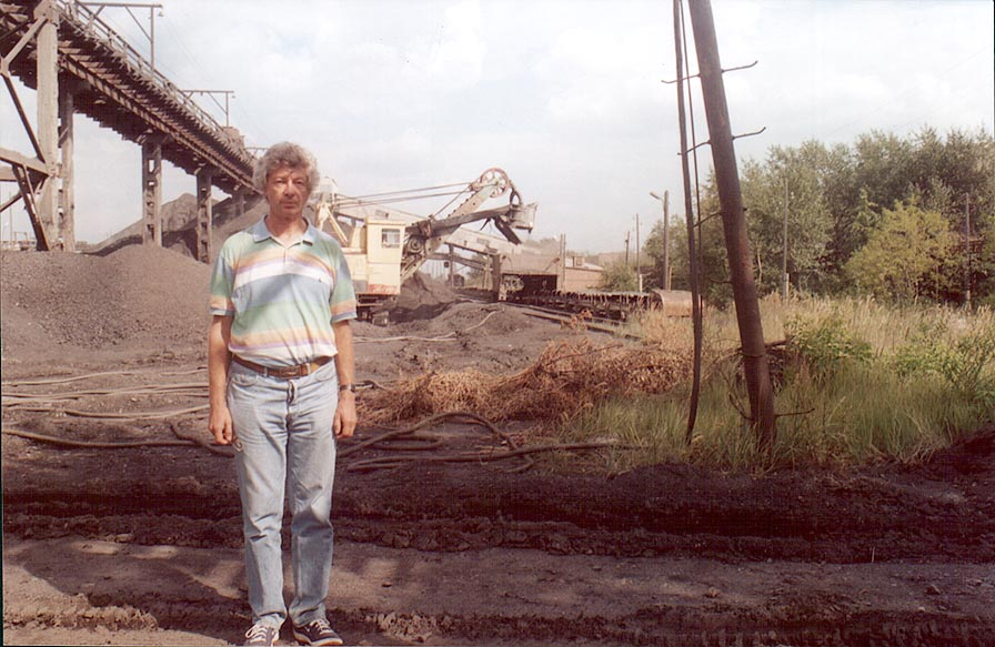 A.S. in front of a coal mining machine at Korkino, near Cheliabinsk, south Ural. Russia