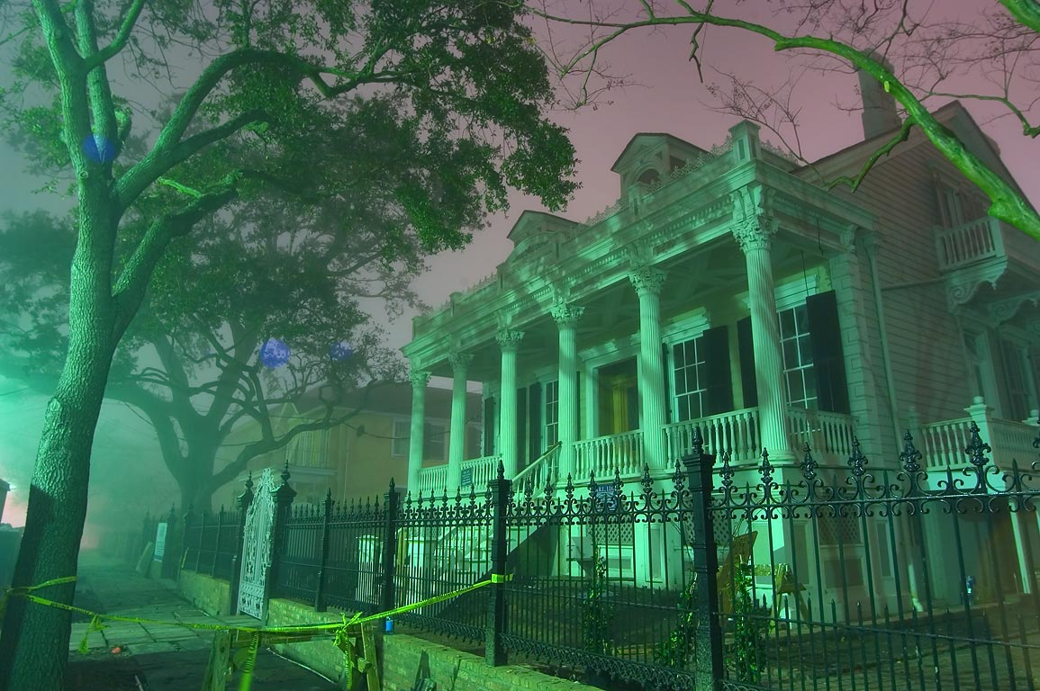 A mansion in area of Philip St. in Garden District in fog. New Orleans, Louisiana