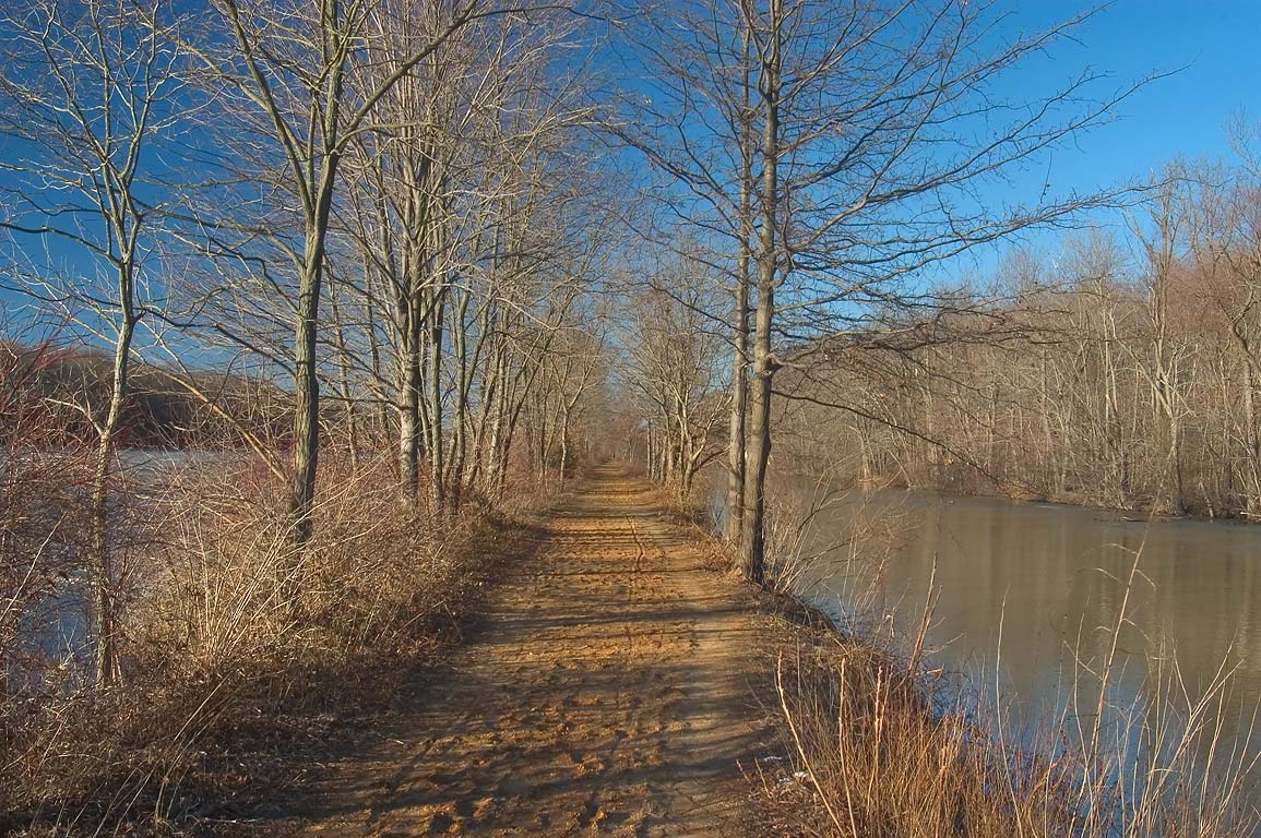 Delaware and Raritan Canal towpath near Lake Carnegie. Princeton, New Jersey