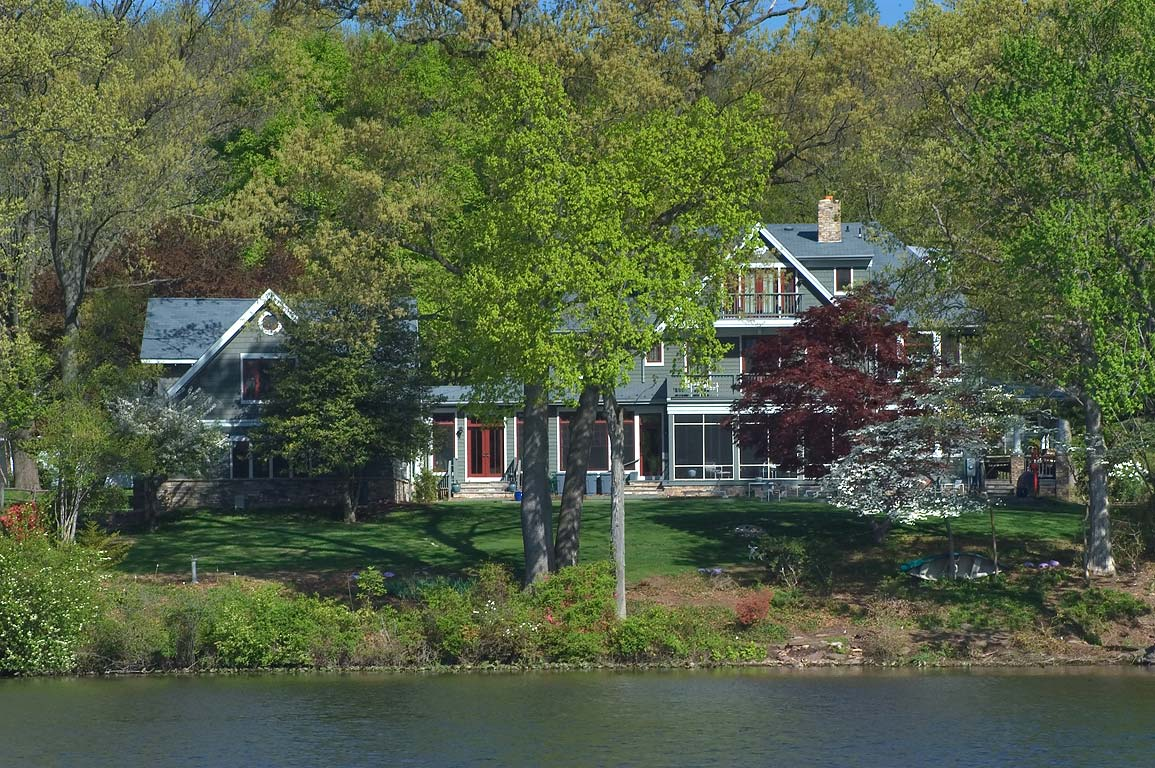 A cottage at Faculty Rd. on Lake Carnegie, view...State Park. Princeton, New Jersey