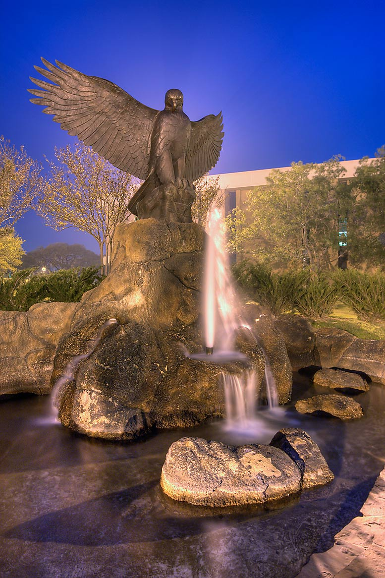 Victory Eagle (Kent Ullberg, 1993) in Cain Park...M University. College Station, Texas