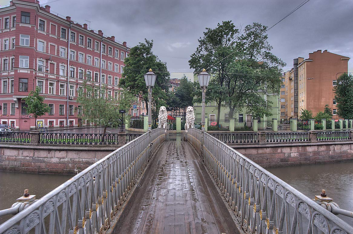Lion suspension bridge near Sennaya Square. St.Petersburg, Russia