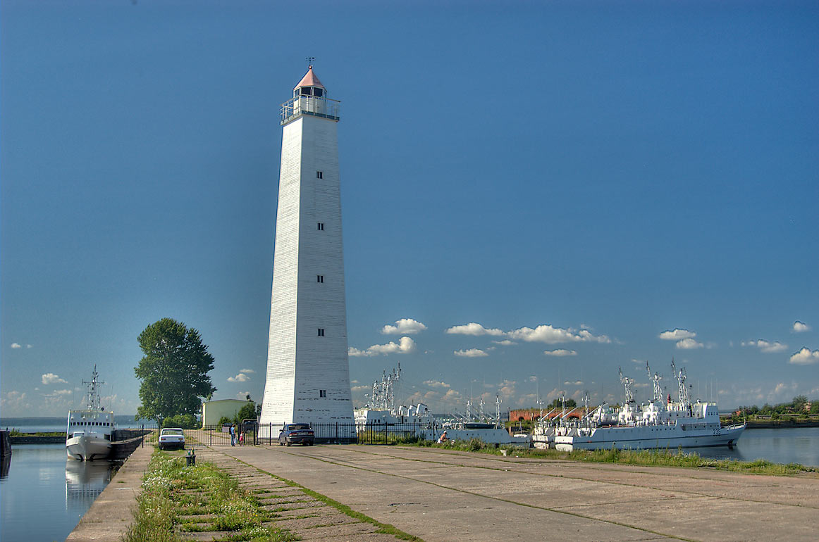 Lighthouse of Petrovsky Dock Channel. Kronstadt (part of St.Petersburg), Russia