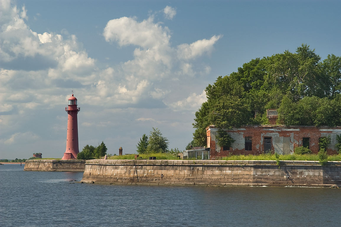 Lighthouse of Fort of Kronshlot in Gulf of...part of St.Petersburg), Russia