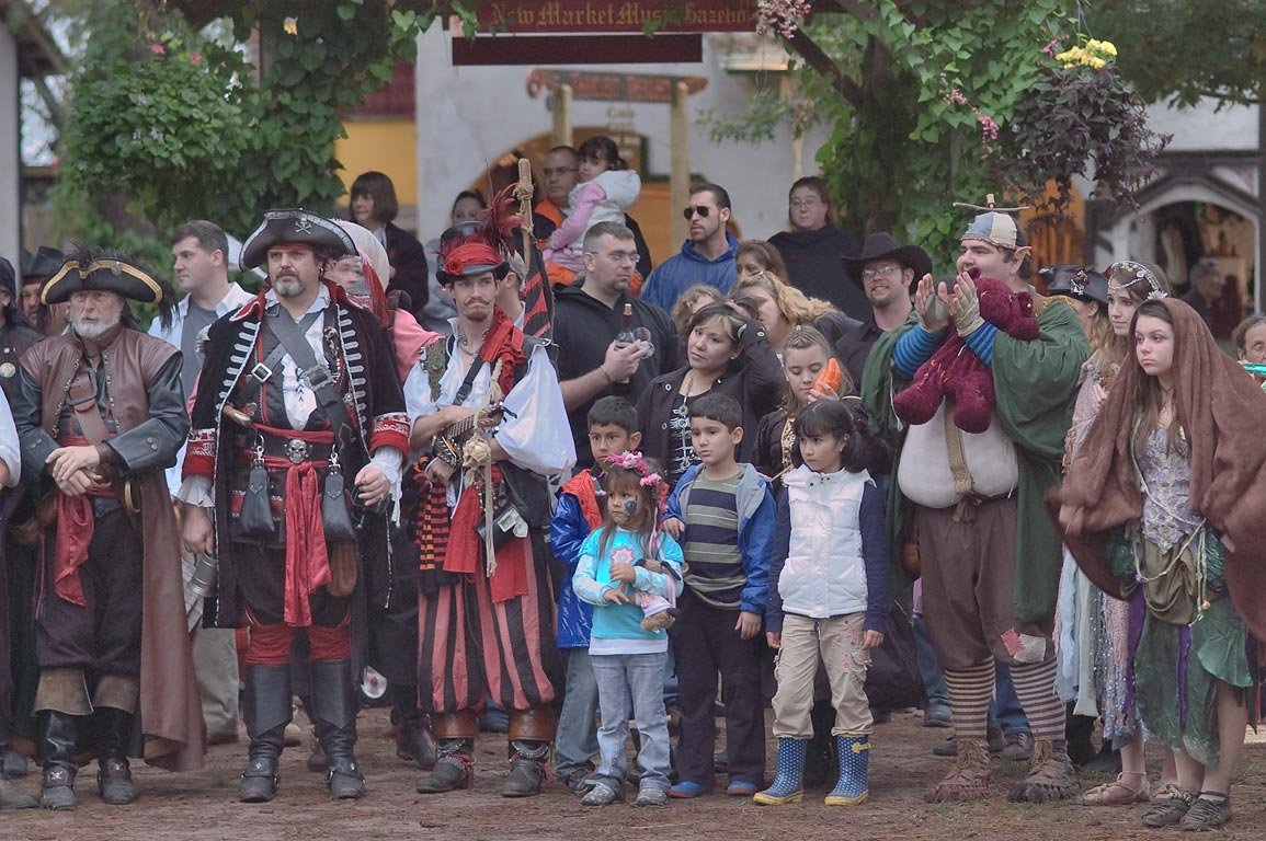 Watching parade of kings at Texas Renaissance Festival. Plantersville, Texas