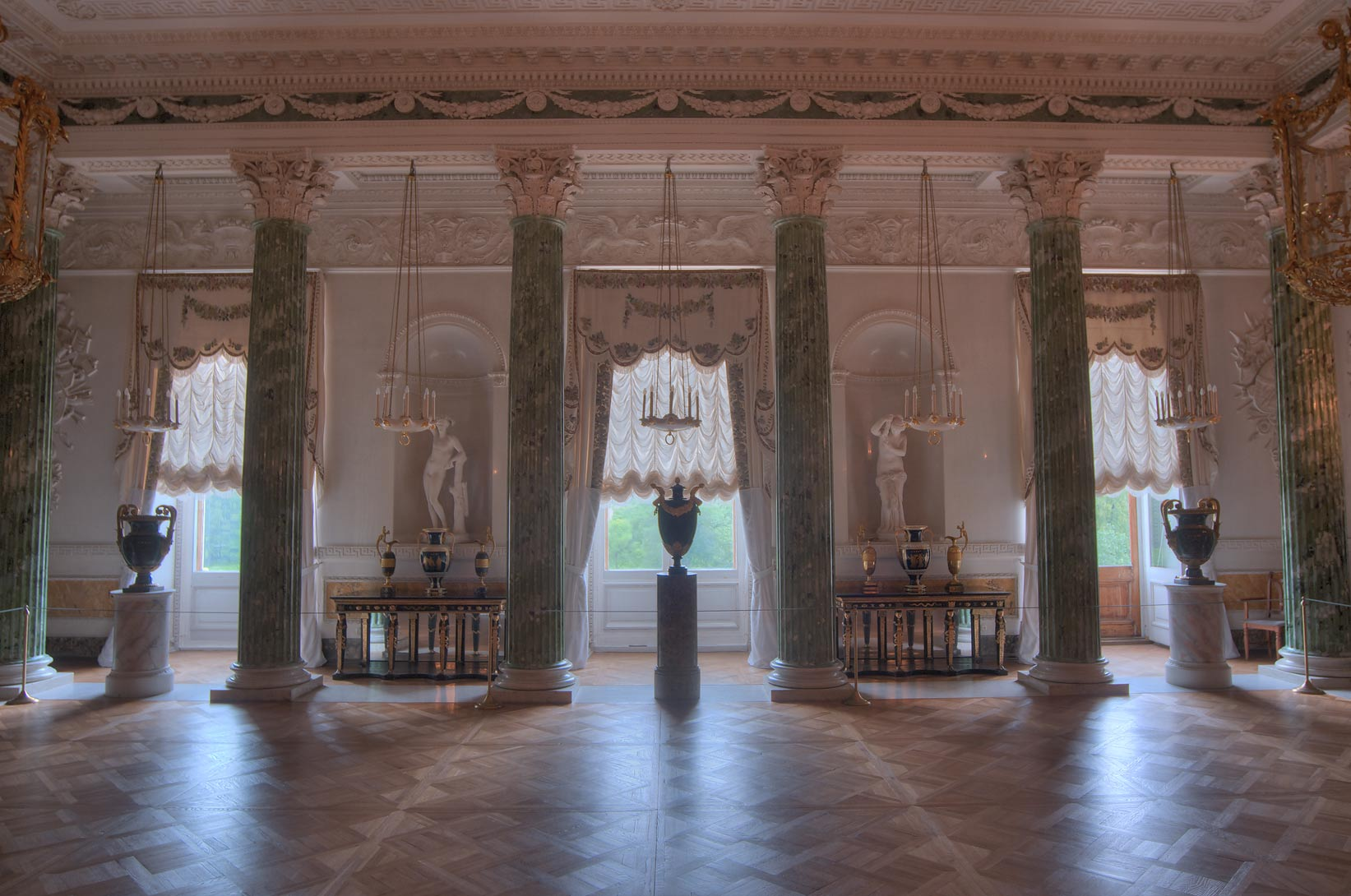 Large hall in Pavlovsky Palace. Pavlovsk, a suburb of St.Petersburg, Russia