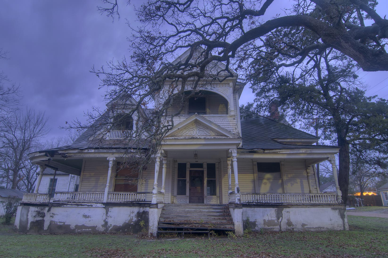 Abrams-Allday House (1887) at 209 East Burnett St...of Pine St. at morning. Calvert, Texas
