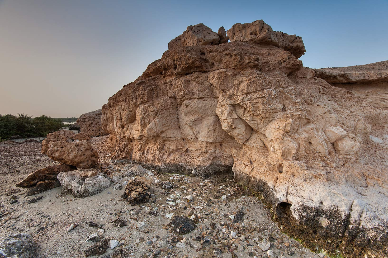 Cliffs of northern tip of Purple Island (Jazirat Bin Ghanim). Al Khor, Qatar
